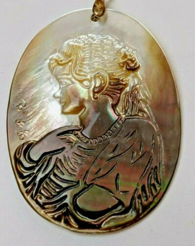 Vintage Art Deco Hand Carved Mother of Pearl Abalone Shell Cameo Pendant
