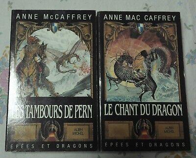 lot de 2 livres Anne Mac Caffrey : le chant du Dragon + les tambours de Pern d'occasion  Charleroi