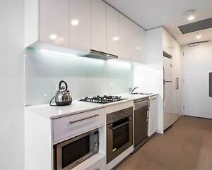 CBD Penthouse with the  lot! Travancore Moonee Valley Preview