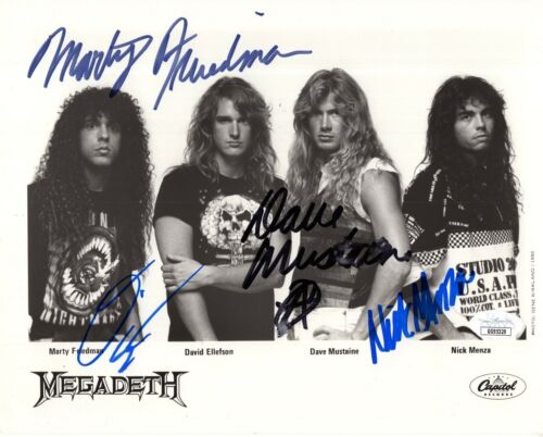 MEGADETH HAND SIGNED 8x10 GROUP PHOTO    AWESOME+VERY RARE    MUSTAINE   JSA COA