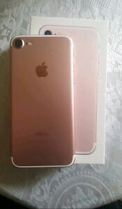 Unlocked iPhone 7 rose gold with warranty till 2018