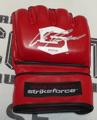 f155e68f57e Mixed Martial Arts (MMA) - Signed Ufc Glove - 6 - Trainers4Me