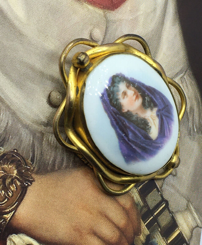 Stunning Antique Victorian Pinchbeck Brooch With Old Picture