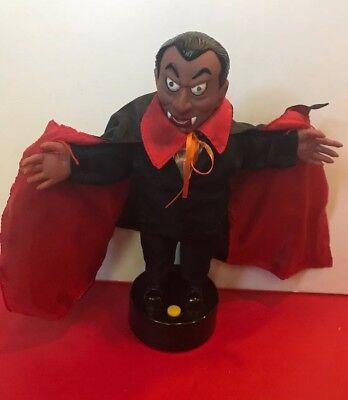 Animated Talking Light Up Dracula Vampire Halloween Decor Gemmy?