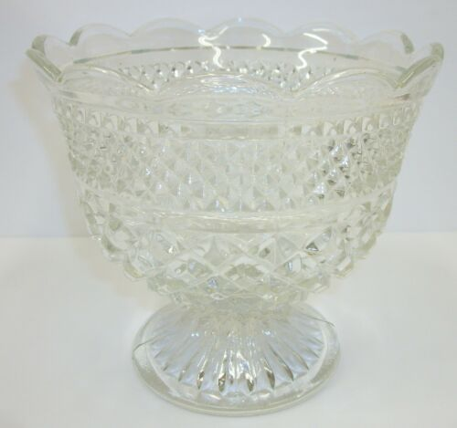 Vintage Anchor Hocking Wexford Pressed Glass Footed Fruit Dessert Trifle Bowl