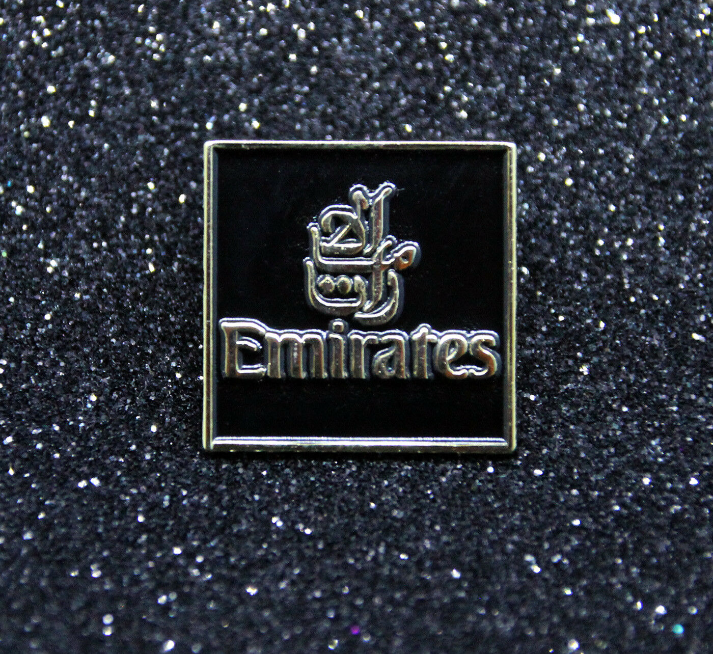 Pin CATHAY PACIFIC gold metal pin for pilot crew ground staff