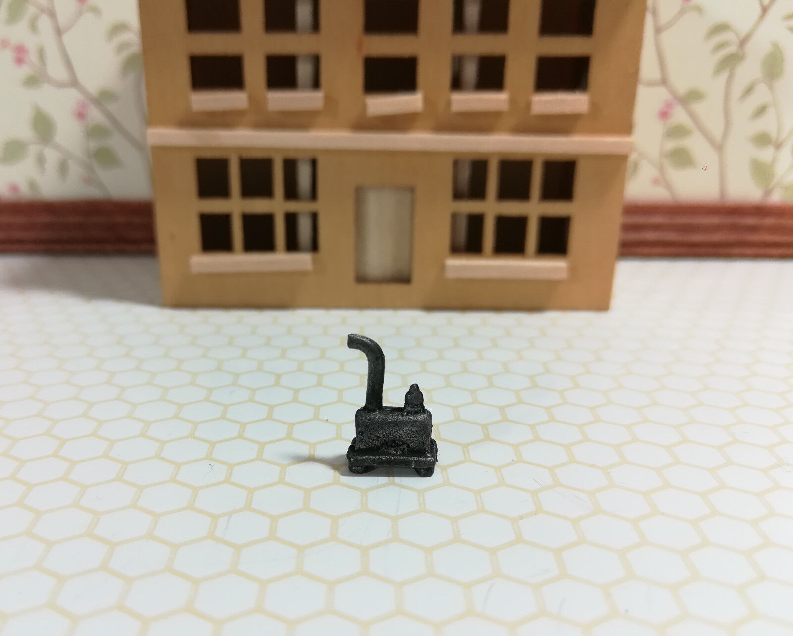 Dollhouse Miniature 1:144 Scale Wood Burning Stove Heater Mi