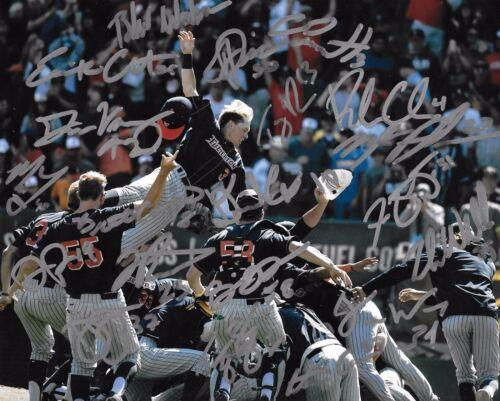 Cal State Fullerton Titans baseball Signed Autograph 2017 CWS Omaha COA LOOK!!