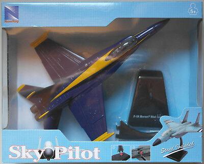 NewRay F-18 Hornet Blue Angels blau/gelb Neu/OVP Flugzeug-Modell Airplane Plane ()