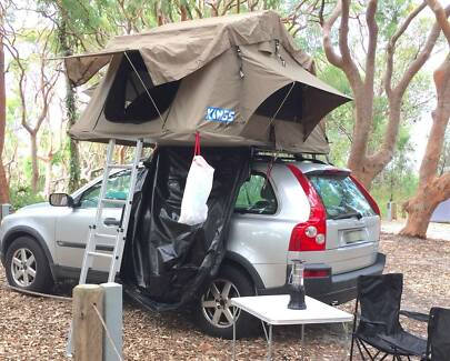 Volvo XC 90 2004 with roof top tent
