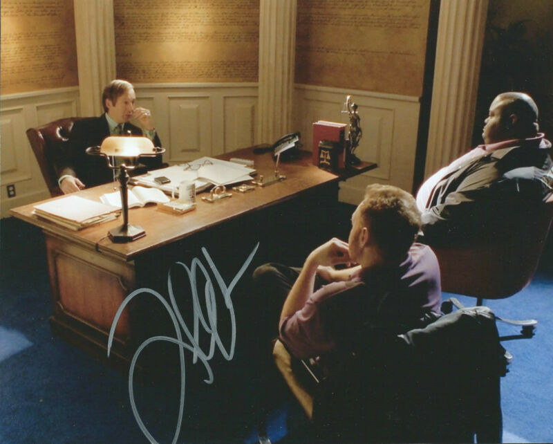 **GFA Breaking Bad-Huell *LAVELL CRAWFORD* Signed 8x10 Photo MH5 COA**