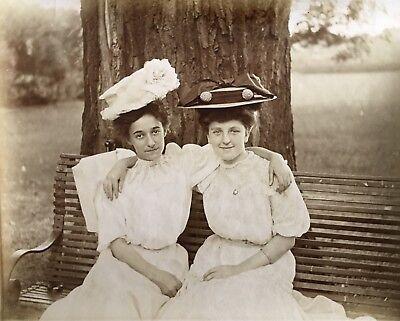 1890s Summer HAT FASHION Affectionate Women Vtg Victorian Snapshot Photo Girls