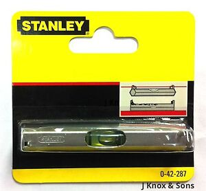 Stanley-Line-Level-0-42-287-Lightweight-Metal-Body-80mm-Bricklaying