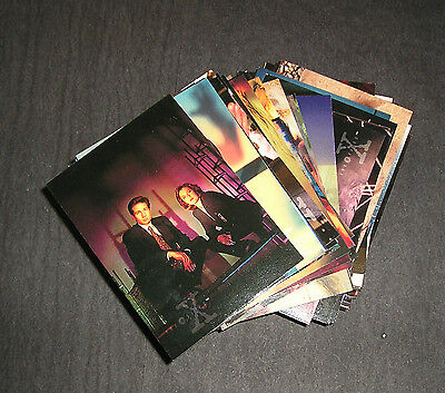 The X files Topps Season 2 complete base set - 72 cards   *****