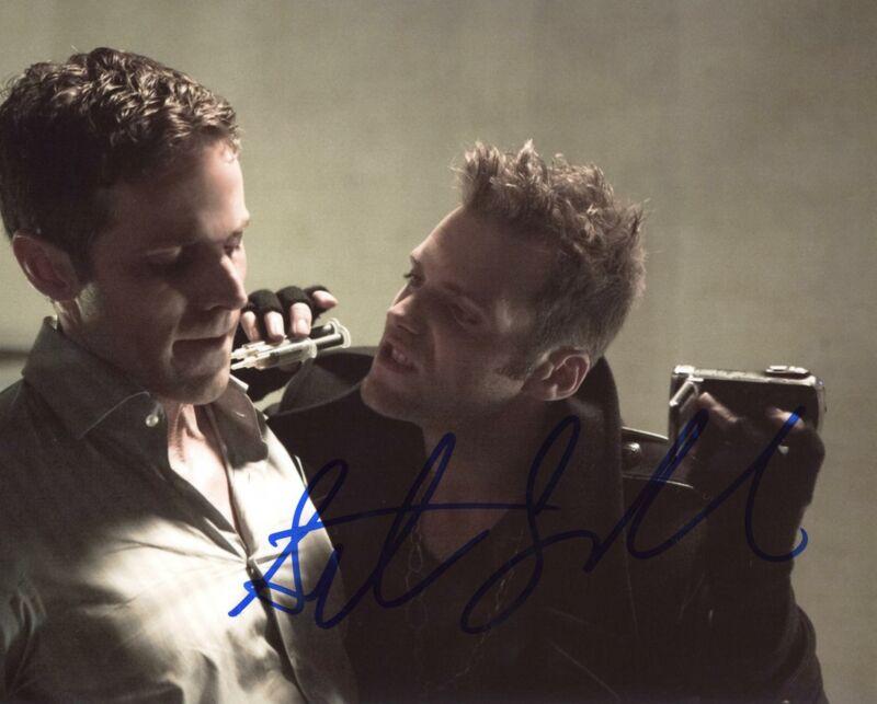 "Seth Gabel ""Arrow"" AUTOGRAPH Signed 8x10 Photo C ACOA"