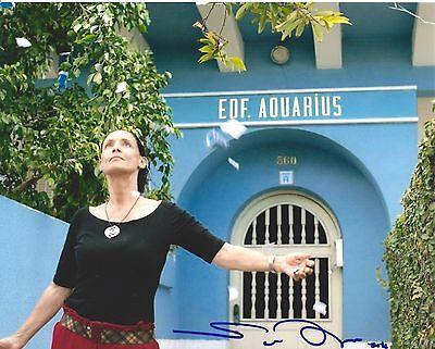 Sonia Braga signed Aquarius 8x10 photo - In Person Photo Proof - Kiss of Spider ()