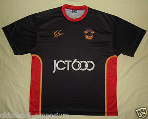 Bradford BULLS / 2004? - ISC - VTG MENS leisure rugby T-Shirt / Jersey. Size: S - <span itemprop='availableAtOrFrom'>Poland, Polska</span> - I can accept returns if the item turns out to be faulty or/and does not match the description. In this case, I will refund the full cost of the item. Moreover, if you simply want to return the ite - Poland, Polska