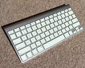 Apple Magic Keyboard Bluetooth