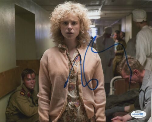 Jessie Buckley Chernobyl Autographed Signed 8x10 Photo ACOA 2020-1