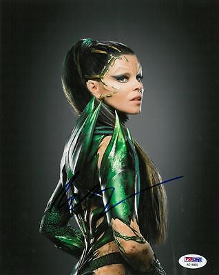 Elizabeth Banks Signed Power Rangers Autographed 8X10 Photo Psa Dna  Ac11899