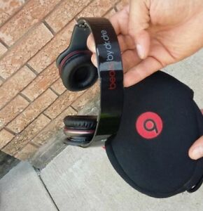 Selling dr Dre beats headphones 80$ OBO ACCEPTED