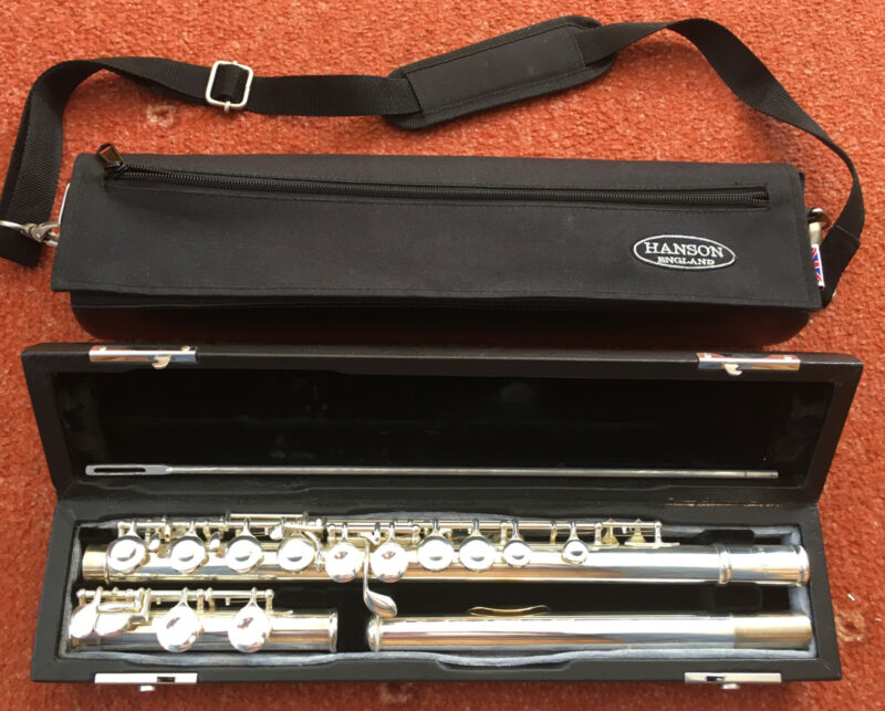 Hanson FL3-SE Flute with gold Lip Peace In Solid Case.