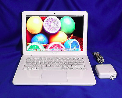 "Apple Macbook 13"" Unibody 2.4GHz / 4GB / 250GB // Sierra 10.12 \ MC516LL/A"