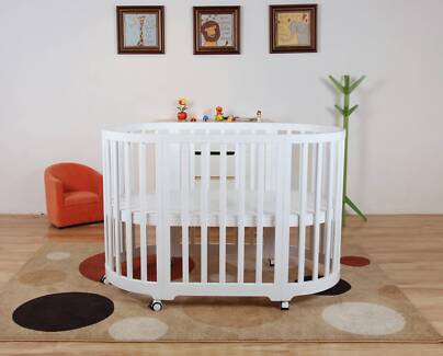 BRAND NEW The Baby Palace Modern 5 in 1 round Baby Cot / Bassinet
