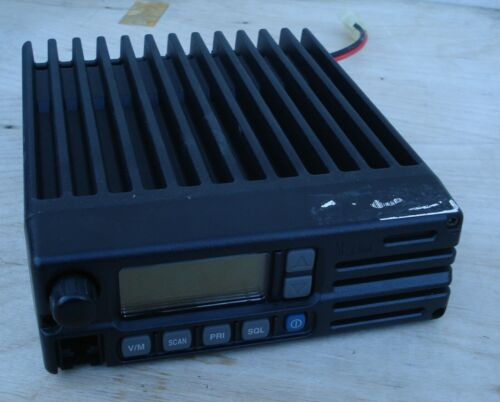 ICOM IC-A110 VHF AM Aviation Base to Aircraft Transceiver