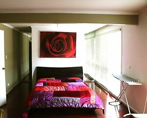LARGE ROOM FOR RENT IN SEPARATE  UPSTAIR HOUSE Wheelers Hill Monash Area Preview