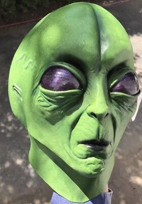 Retro Latex Mask Alien UFO Space Invader Extra Terrestrial Adult Prop Sci Fi - Grey Alien Mask