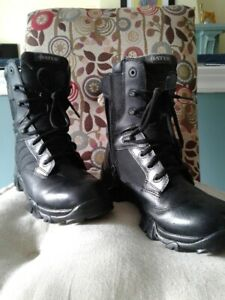 WOMEN'S TACTICAL BOOTS - SIZE 8