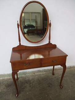 B33033 Gorgeous Queen Anne Dressing Table w/ Oval Cheval Mirror Mount Barker Mount Barker Area Preview