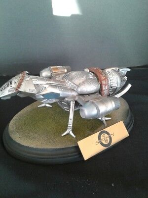 SERENITY FIREFLY CLASS REPLICA MODEL PAINTED DIORAMA