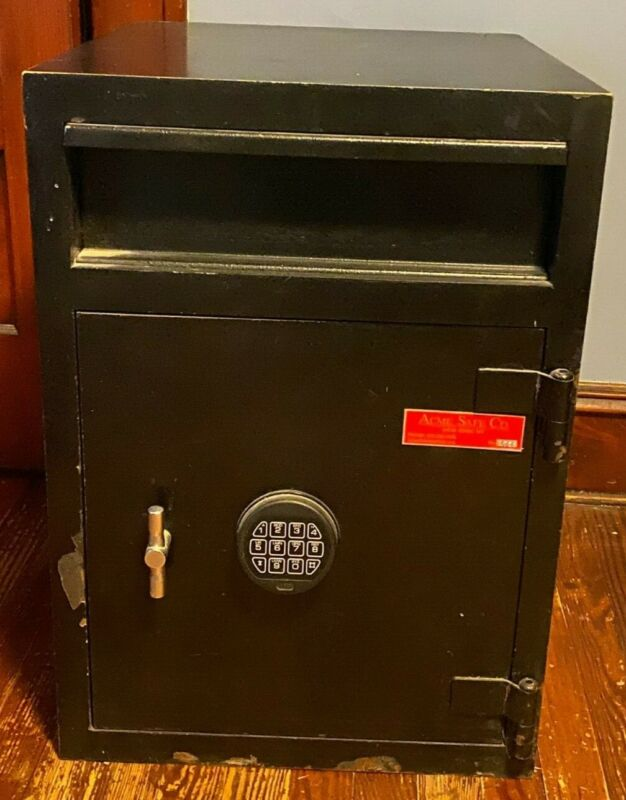 Vintage Acme Safe & Co. New York Large Digital w/ Two Compartments and Swivel