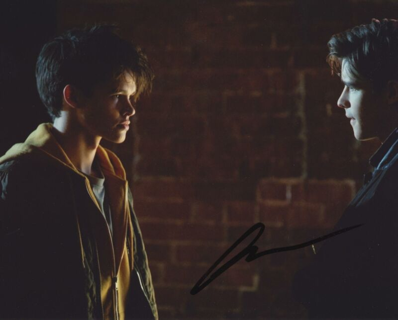 CURRAN WALTERS SIGNED TITANS 8X10 PHOTO 5