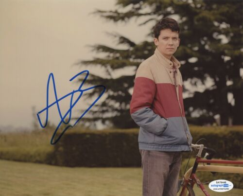Asa Butterfield Sex Education Autographed Signed 8x10 Photo ACOA