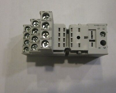 Din Rail Relay Socket 4PDT Screw AB ALLEN BRADLEY 700-HN104 SER. BASE 700HN104