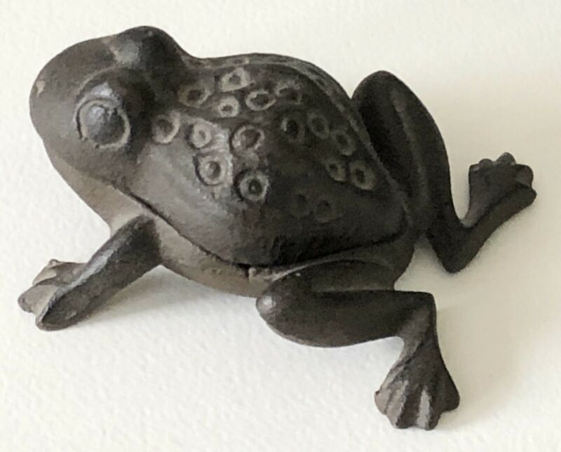 Vintage Cast-Iron Spotted Frog Toad Covered Trinket Box Sculpture Figure