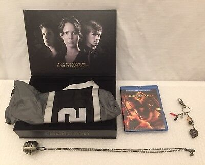 The Hunger Games (Blu-ray DVD) Limited Edition District 12 Gift Set Box. New DVD