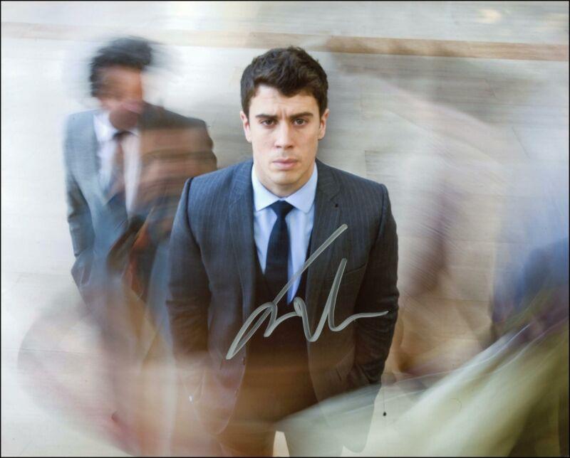 """Toby Kebbell """"Black Mirror"""" AUTOGRAPH Signed 8x10 Photo"""