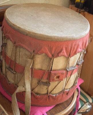 Sehr alte Trommel, Holz und Stoff gearbeitet, Spielmannszug, 40cm x 38cm Durchm.