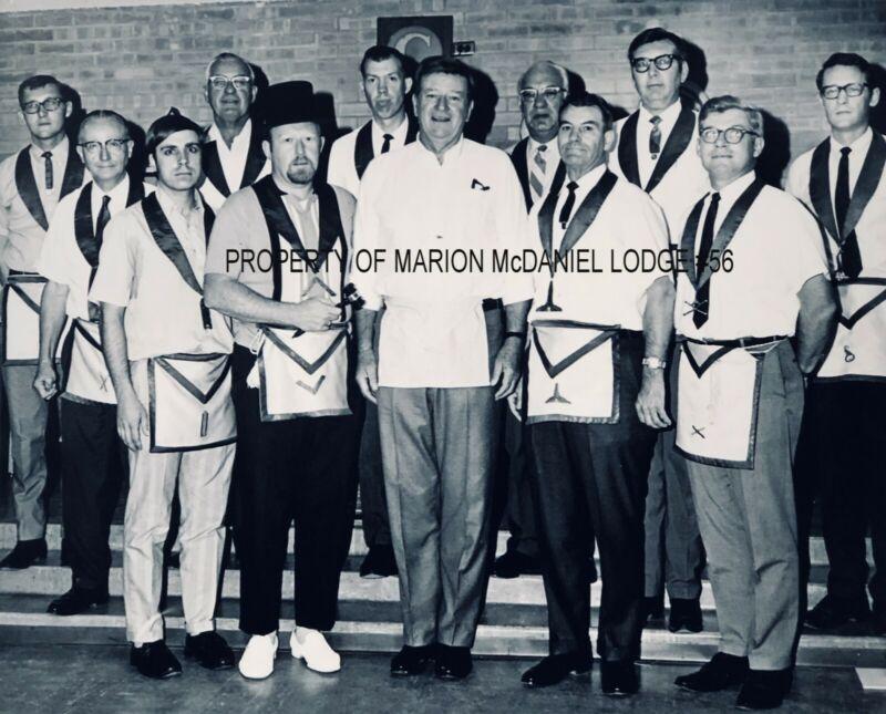 2 DIFFERENT JOHN WAYNE  MASONIC  PHOTOS NIGHT RAISED TO MASTER MASON 11x14&8x10