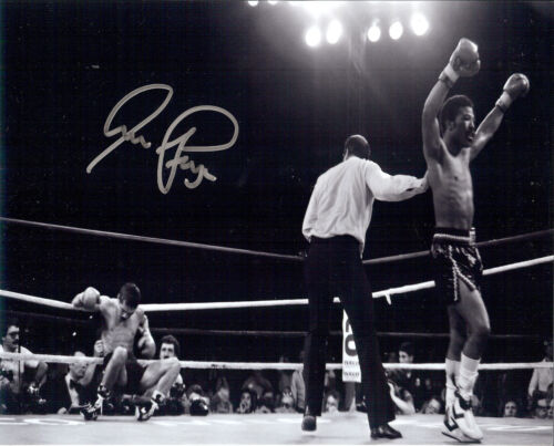 Aaron Pryor The Hawk  Autographed great B/W action photo