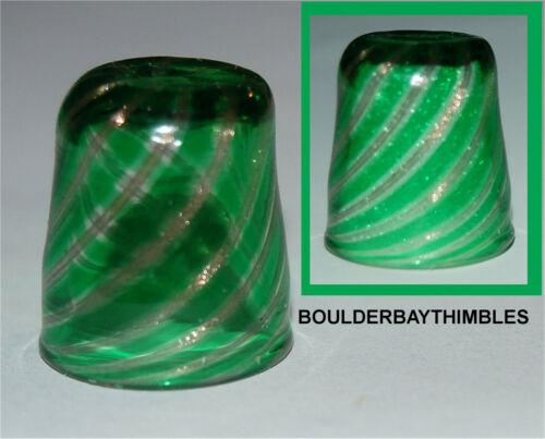 MURANO GLASS  Giuliano Donaggio THIMBLE - GREEN SPIRAL with GILT FLECK M-24