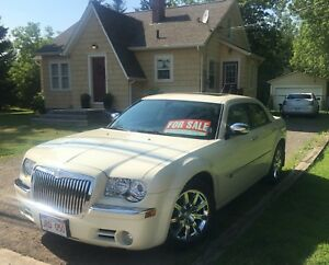 RARE -  Chrysler 300C Hemi - Summer car / 75kms