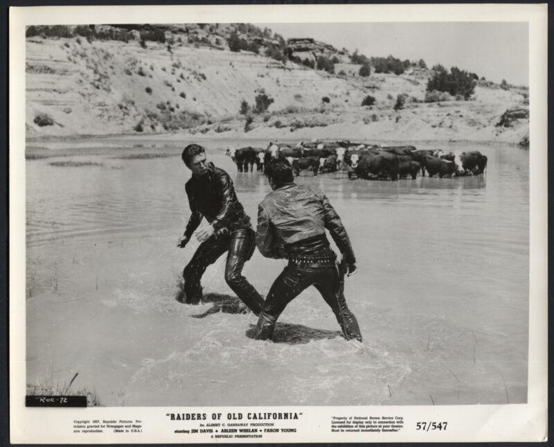 Raiders Of Old California '57 JIM DAVIS FIGHTING IN THE WATER WESTERN