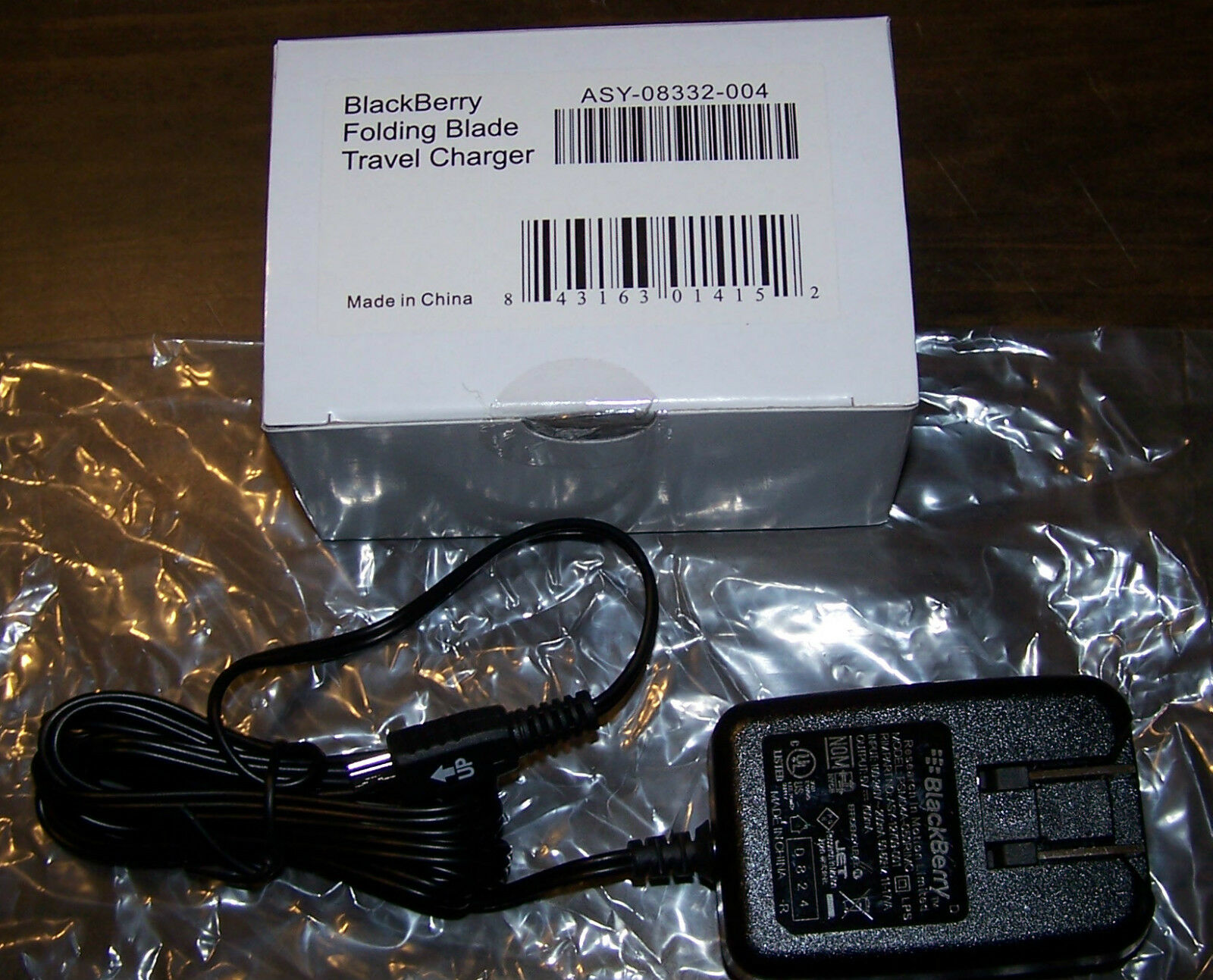 Blackberry Folding Blade Travel Charger Asy-08332-004 - In Original Box