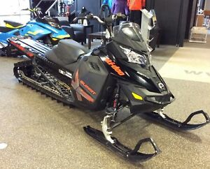 2015 Ski-Doo Summit® X® with T3™ Package - 174 in.