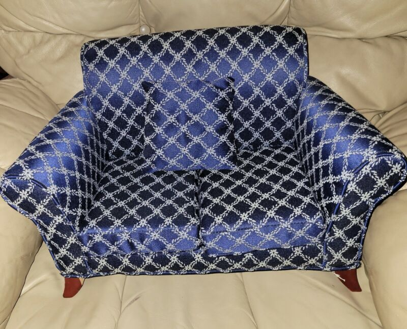 VINTAGE KINGSTATE UPHOLSTERED DOLL SOFA WITH REMOVABLE CUSHIONS & PILLOW